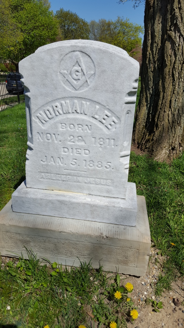 NormanLee_Grave2